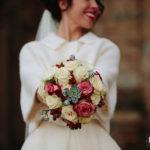 Confetto n° 27. Bouquet da sposa: dicembre tra vivacità e passione