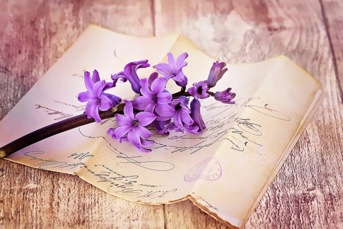 Confetto n°36. Partecipazioni di nozze scritte a mano: personale originalità